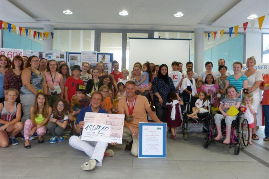 Ironman Hilde Kinderrheuma - Scheckübergabe 2015 - Spendensumme 15.088,60 Euro
